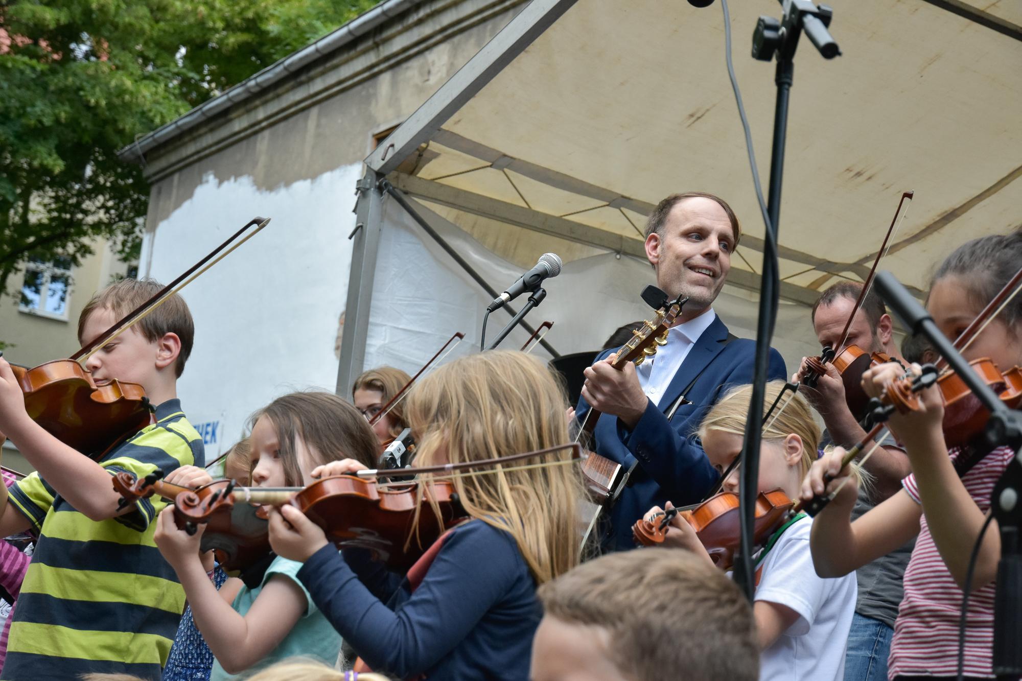 """Aktionstag """"Deutschland macht Musik.- Spiel mit!"""" im Upsala Club Berlin, organisiert von der Westerland Musikschule Pankow."""